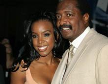 Конец сотрудничества Kelly Rowland с «Music World»